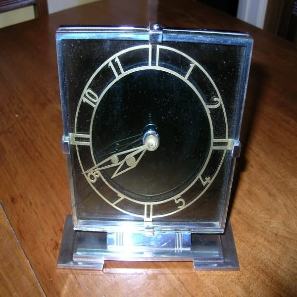 Archive (SOLD) > Clocks > Smiths (8) day glass and chrome desk clock